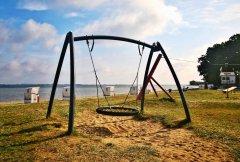 strand-spielplatz-nestschaukel.jpg